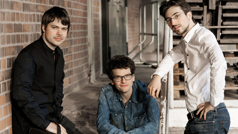 Trio-Slider-2